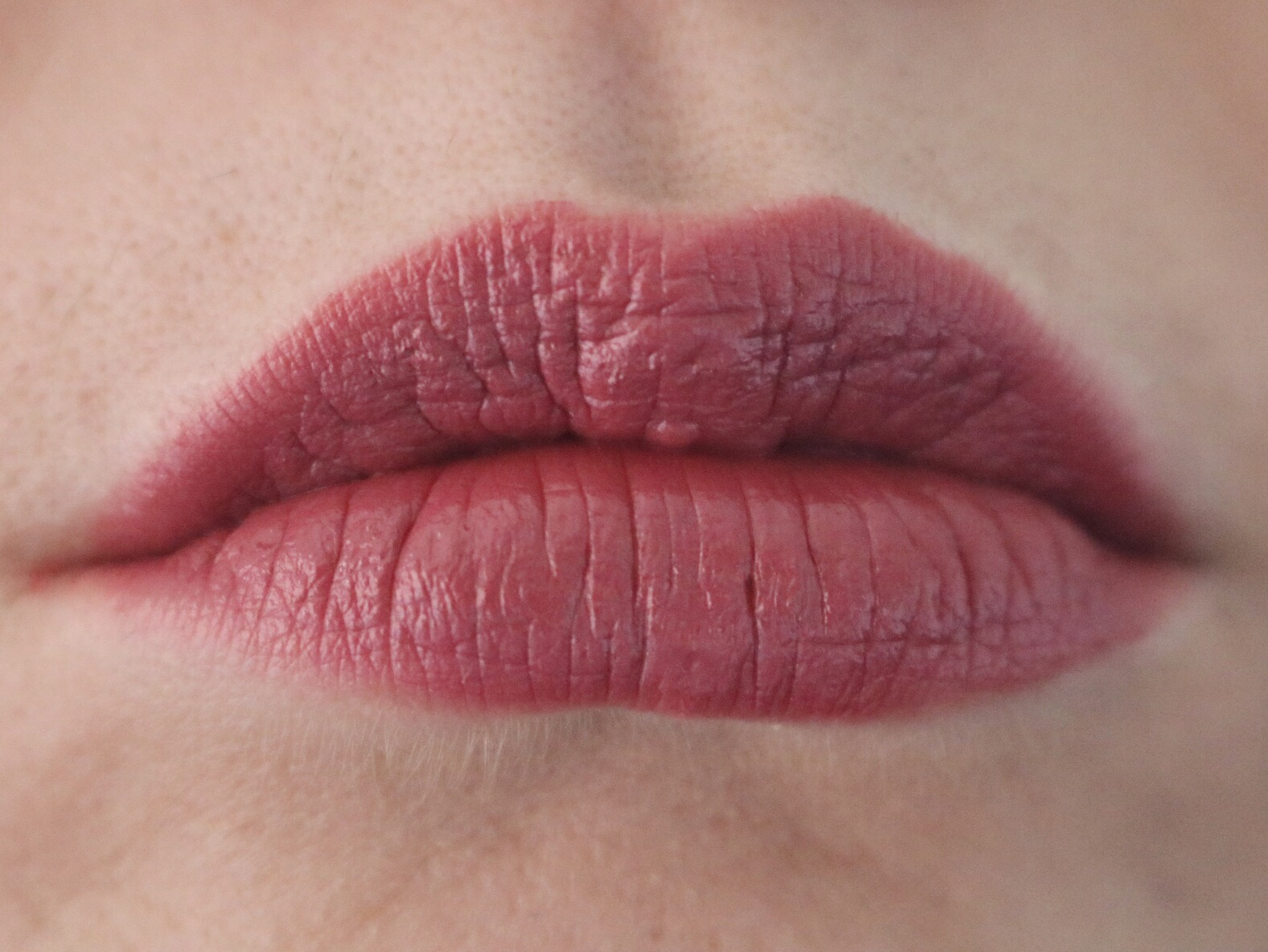 Review and Swatches: Mac Fast Play Lipstick   Country Girl Em